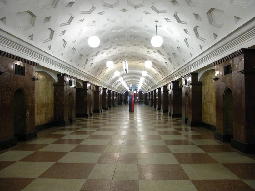 Станция Красные ворота, центральный неф
