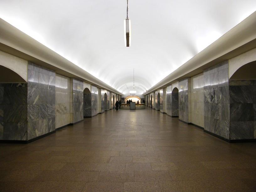 Станция Чистые пруды, центральный неф