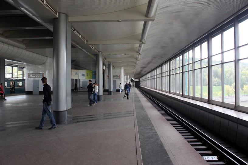 Станция Воробьёвы горы, платформа