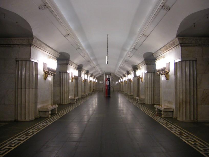 Станция Смоленская, центральный неф