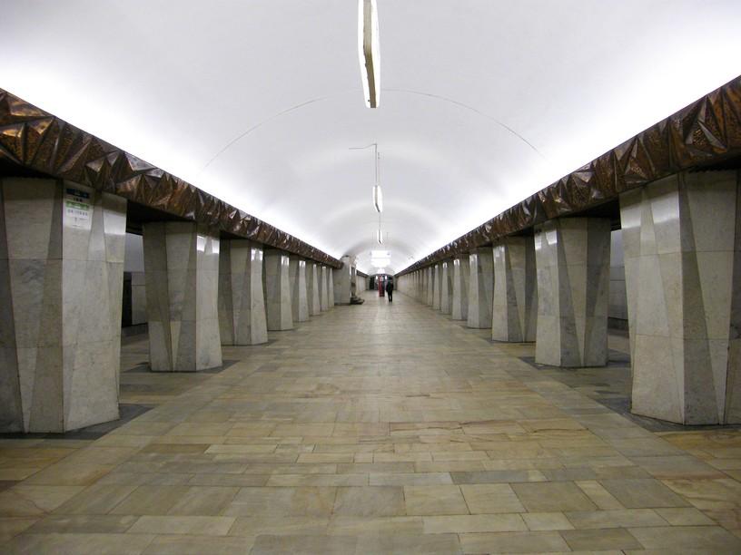 """Станция Китай-город, западный зал """"Кристалл"""""""