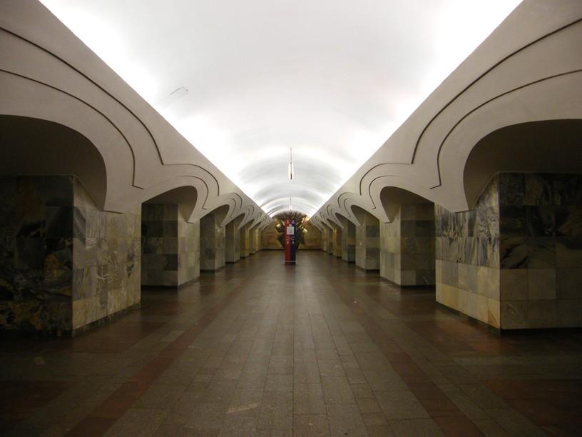 Станция Шоссе Энтузиастов, центральный неф