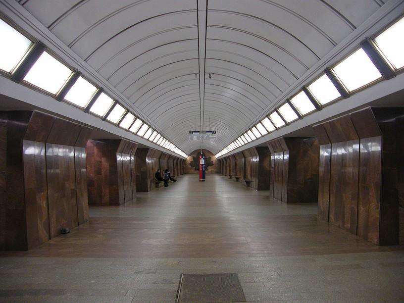 Станция Дмитровская, центральный неф