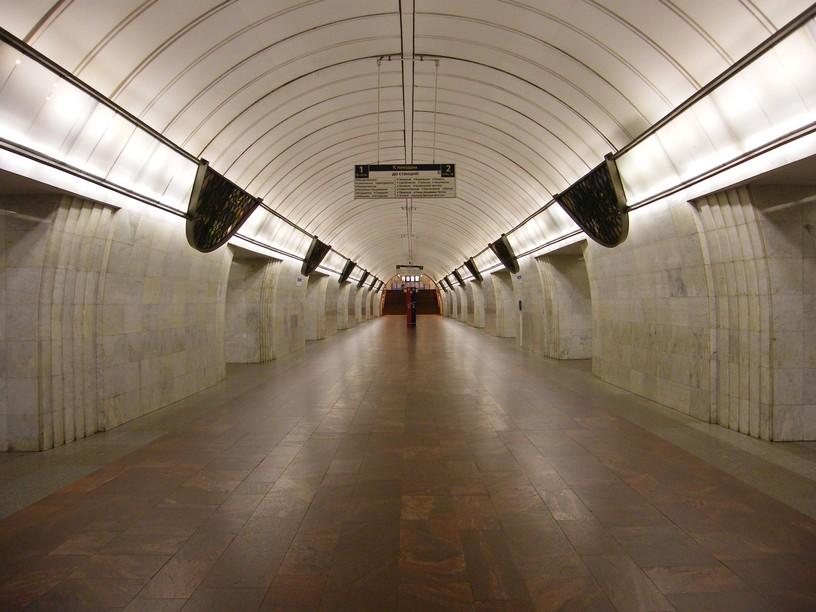 Станция Цветной бульвар, центральный неф
