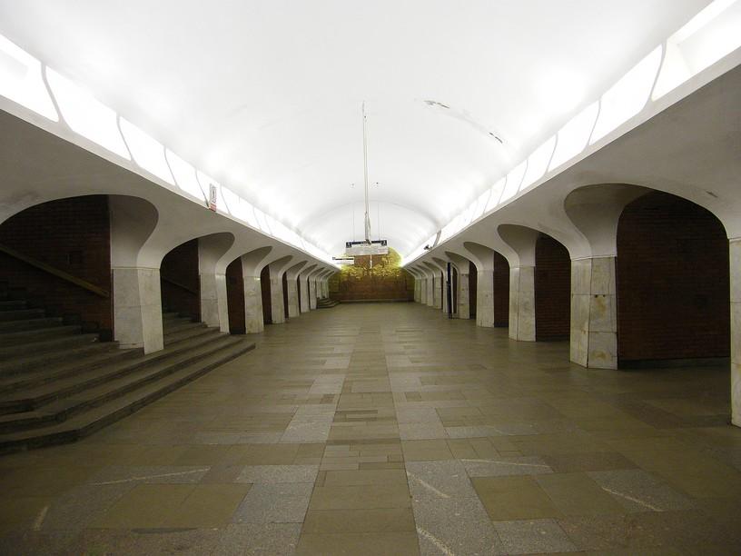 Станция Боровицкая, центральный неф