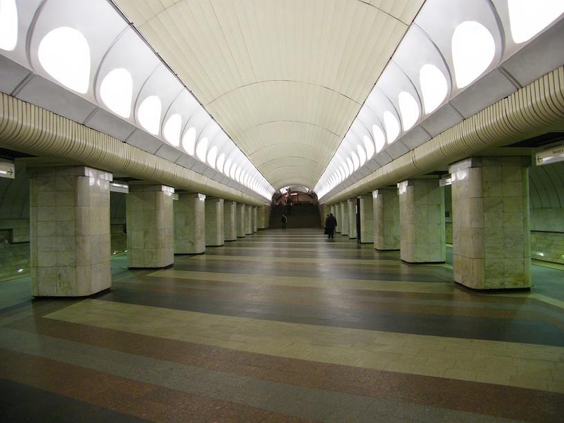 Станция Римская, центральный неф