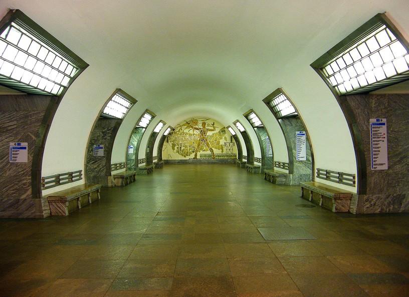 Станция Электросила, центральный неф