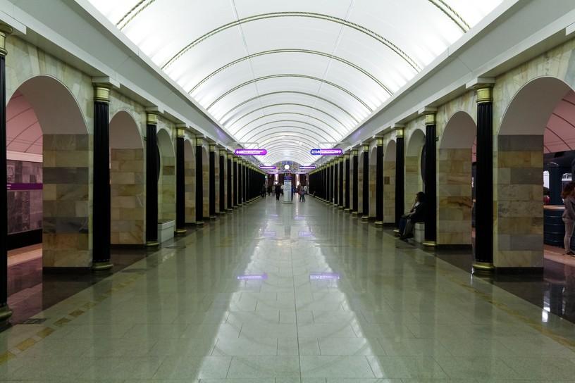 Станция Адмиралтейская 1, центральный неф