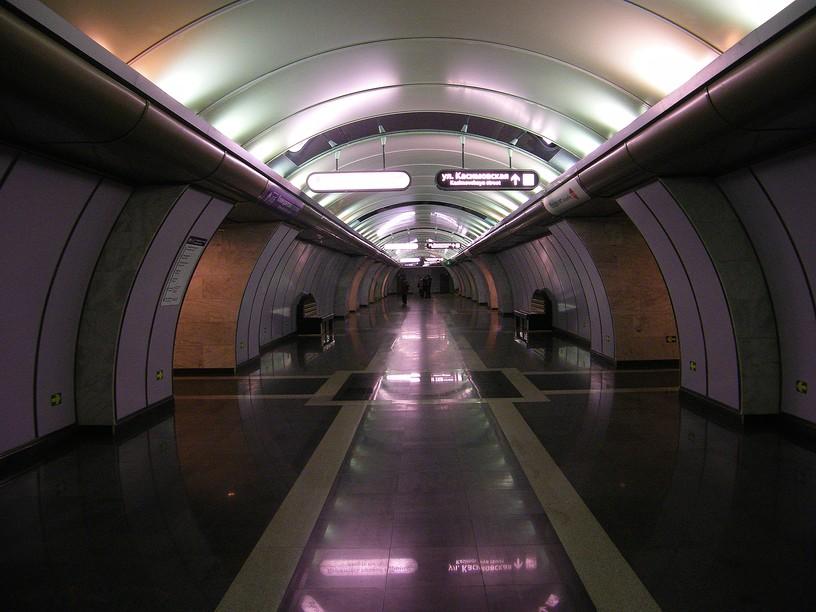 Станция Волковская, центральный неф