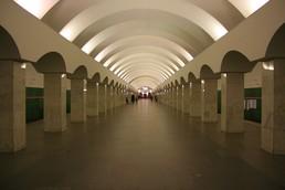 Станция Лесная, центральный неф