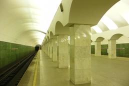 Станция Лесная, боковой неф