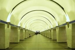 Станция Проспект Просвещения, центральный неф