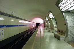 Станция Электросила, боковой неф