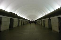 Станция Звёздная, центральный неф