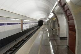 Станция Бухарестская, боковой неф